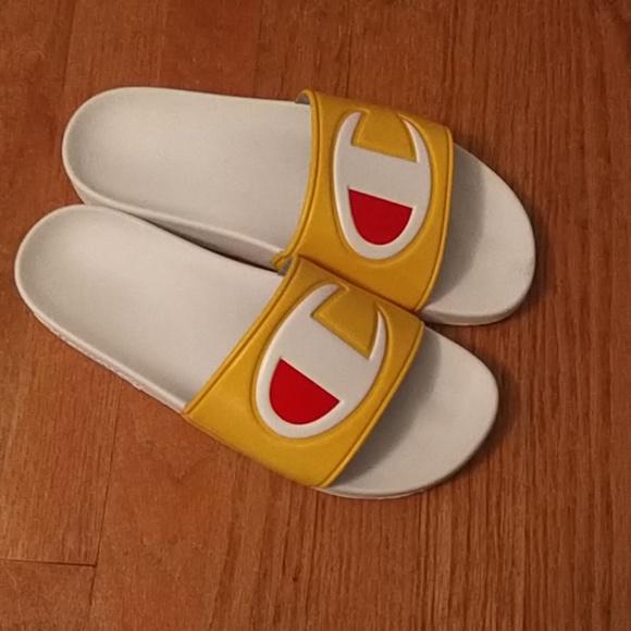 51895dadd8875 Champion men's slides size 9 yellow white